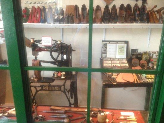 Bognor Regis Museum: cobblers