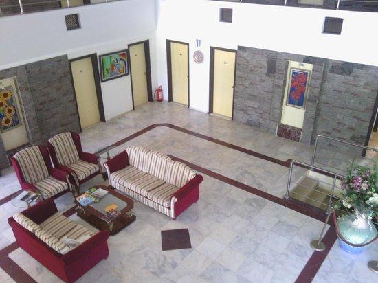 Rosarium Hotel: lobby