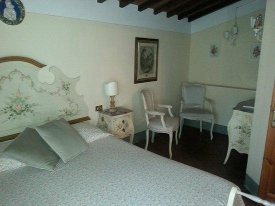 Agriturismo Vecchio Borgo di Inalbi: Habitación doble, de apartamento