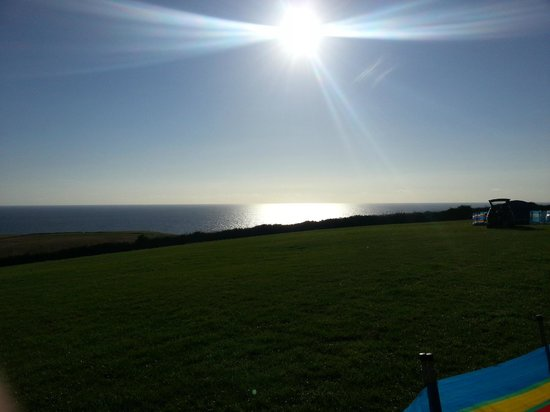 Sandymouth Holiday Park: Sunset from Camping Meadow