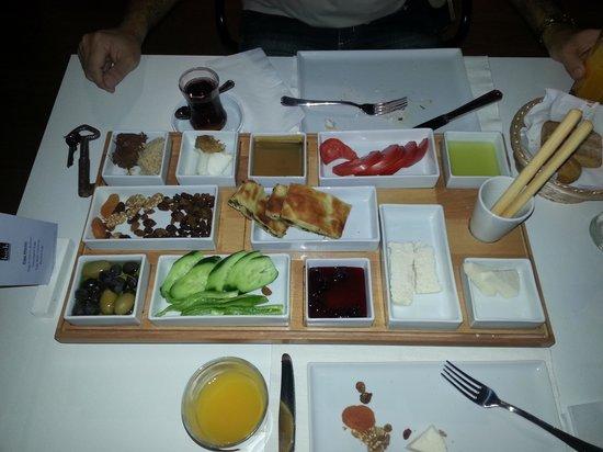 Hich Hotel Konya: Café da manhã...
