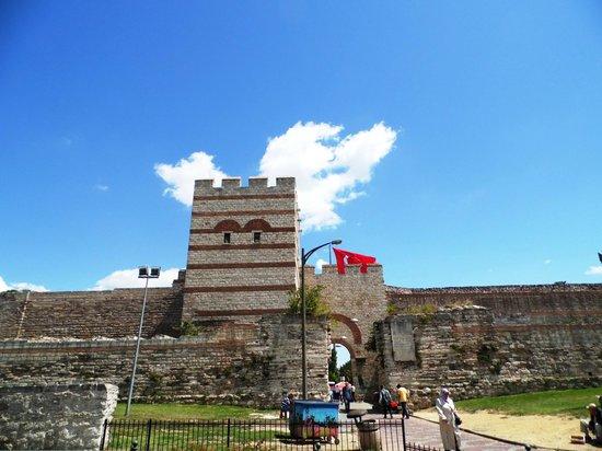 Walls of Constantinople (Istanbul City Walls): Walls of Constantinople