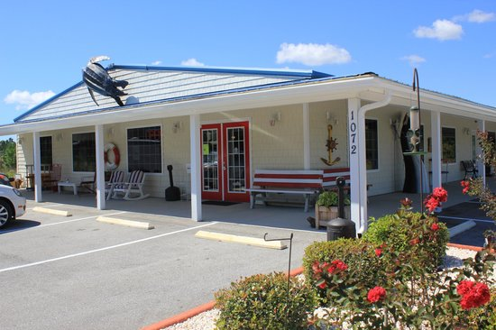 Sneads Ferry, Kuzey Carolina: The front of our store.