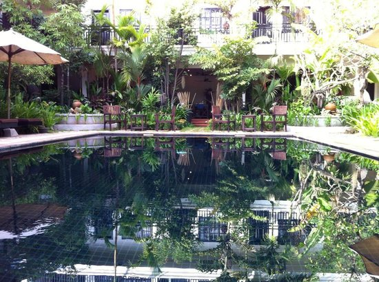 Angkor RF Boutique Hotel: Piscina