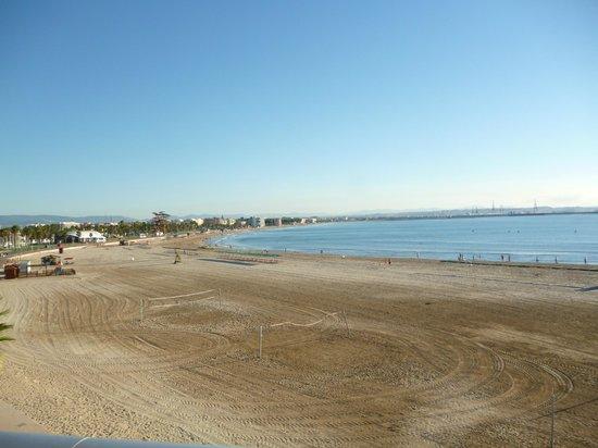 Golden Donaire Beach Hotel: Beach at La pineda