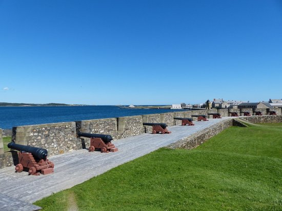 Fortress of Louisbourg National Historic Site: Ramparts
