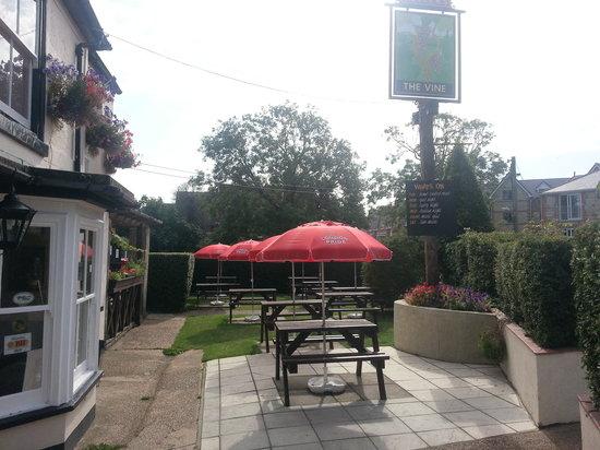 The Vine Inn: Garden