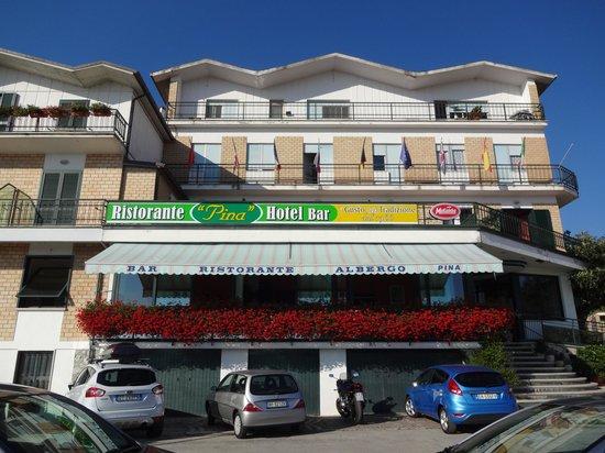 Hotel Pina: VUE DE L'HOTEL