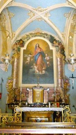 Villa Porro Pirelli: Inside the church