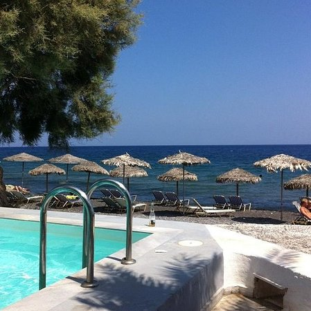 Sigalas Hotel: Vista dal ristorante a bordo piscina