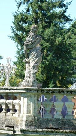 Villa Porro Pirelli: The grounds