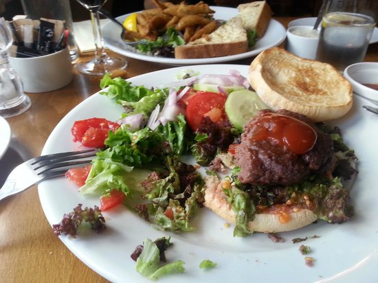 Six Bells: Dried up burger with stale salad