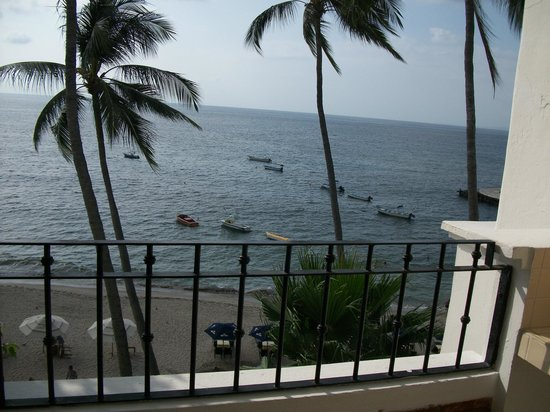 Emperador Vallarta Beachfront Hotel & Suites : Balcony view
