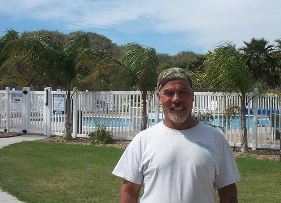 Drifters Resort: We always greet our guests with a smile!