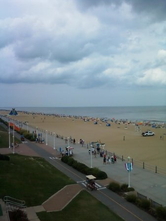 Holiday Inn Oceanside Virginia Beach: View from room # 421