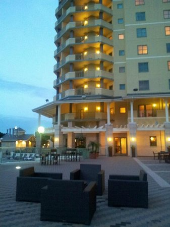 The Renaissance World Golf Village Resort: Suites with a view and balcony