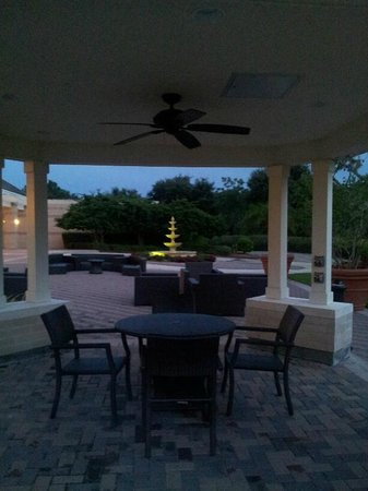 The Renaissance World Golf Village Resort: Huge pool deck and dining area