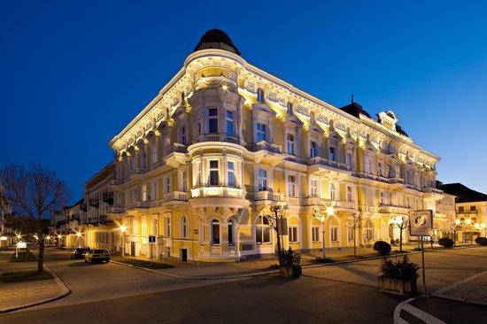 Savoy Spa & Kur Hotel: Außenansicht