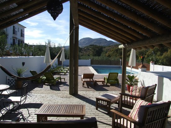 Casa Olea: Pool terrace with shade and great views