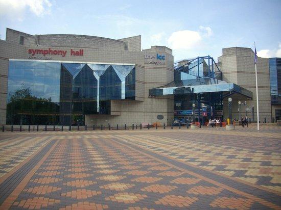 Centenary Square: SYMPHONY HALL