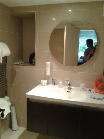 BEST WESTERN Salford Hall Hotel: Bathroom