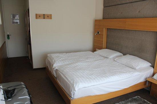 Hotel Continental Lausanne: Quarto