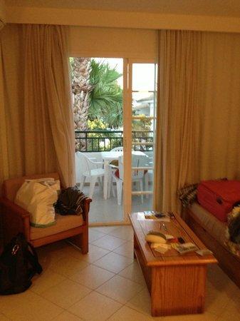 ILUNION Menorca : zona divano