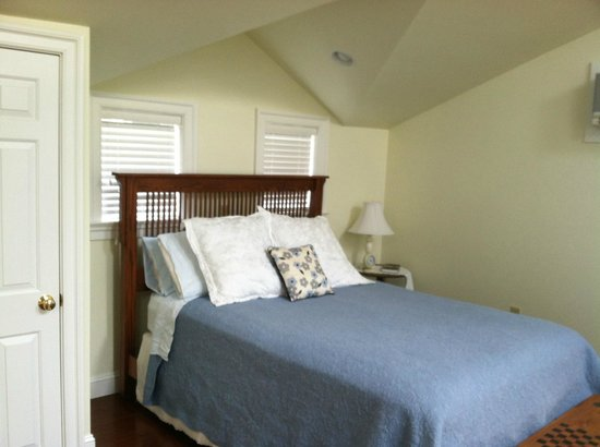 The Cottage & Loft : the loft bedroom