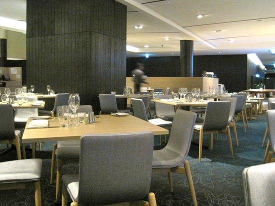 PARKROYAL Darling Harbour Sydney: sala da pranzo