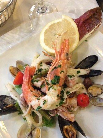 Ristorante Mare Blu : salade de la mer