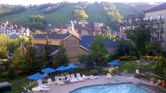blue mountain resorts Choices include lodging with stunning mountain views, creekside retreats, riverfront fishing lodges, cabins on the lake, quaint bed and breakfasts, cozy or luxury cabin rentals, resorts.