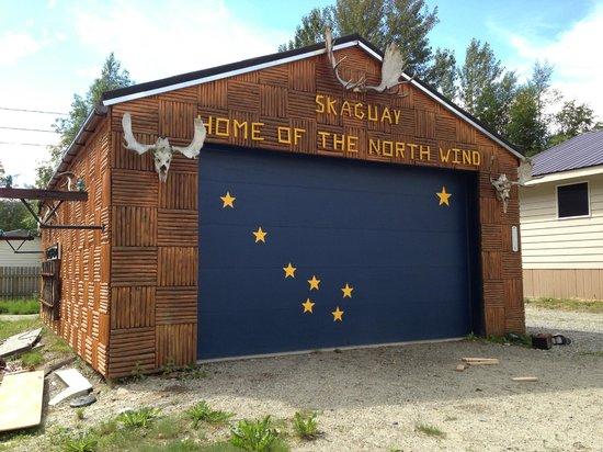 A Nearby Garage Picture Of Wild Alaska Catch Skagway Tripadvisor