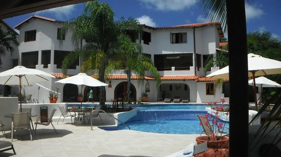 Sugar Cane Club Hotel & Spa: second level is the ocean view dining room of La Salsa Restaurant