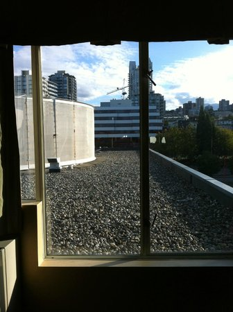 Lonsdale Quay Hotel: Outstanding view!