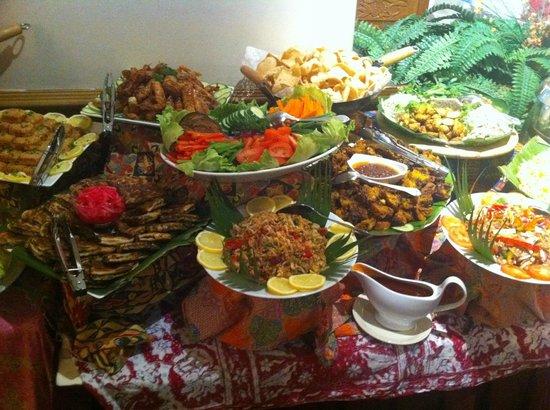 Lagenda Malaysian and Chinese restaurant: Malaysian Dinner Buffet (Friday & Saturday)
