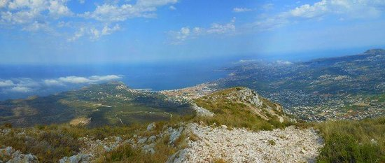 Montgo Natural Park: View over Javea from the top