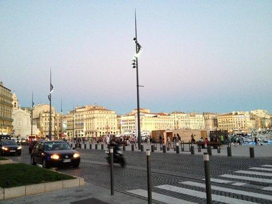 New Hotel Vieux Port : Viueux-Port le soir
