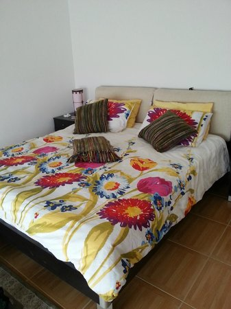 Lanavilla Guest House: Seaview room 6