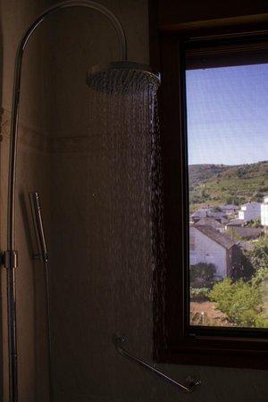 Villa Mencia: Una ducha con vistas