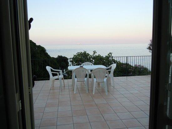 B&B Villa Addaura: Vista dalla porta-finestra della camera