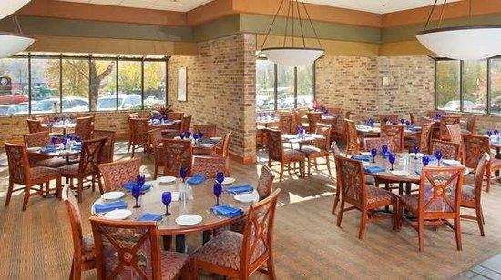 DoubleTree by Hilton Oak Ridge - Knoxville: Burchfield's Restaurant
