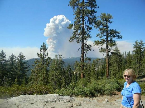 White Wolf Lodge : rim fire from tioga road very near White Wolf aug 26