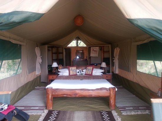 Kicheche Mara Camp: Kicheche camp tents, glamping, not camping.