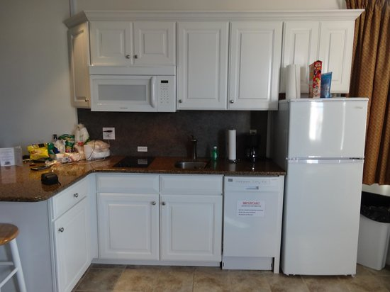 Sea-N-Sun Resort Motel: Fully-equipped kitchenette