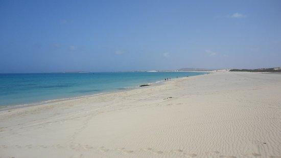 B&B Criola: le dune che degradano dolcemente nel mare
