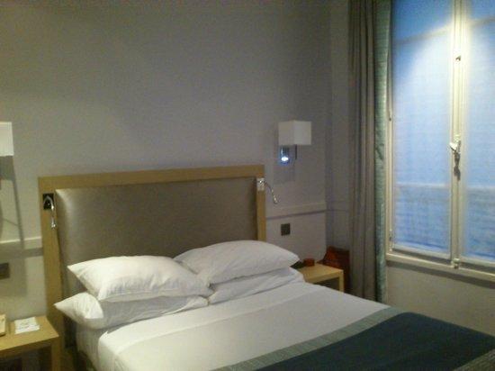 Hôtel Floride Etoile : cama doble