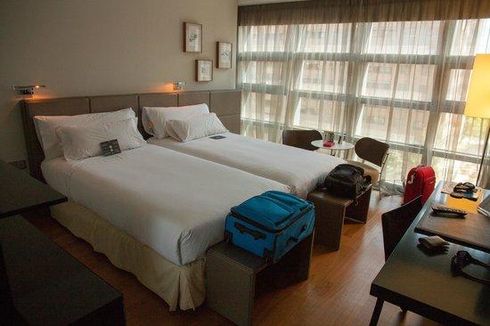Hotel Reina Petronila: Habitacion