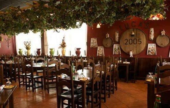 Luca's Ristorante: lucas dining room