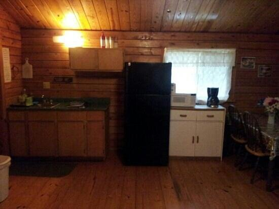Pinch Pond Family Campground and RV Park: Cottage #1