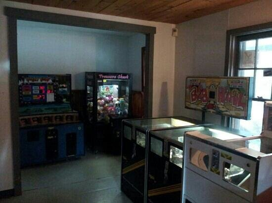 Pinch Pond Family Campground and RV Park : Inside Game Room